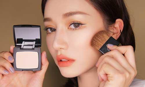 Top 5 phấn phủ tốt và siêu mịn dành cho chị em yêu thích make up 5