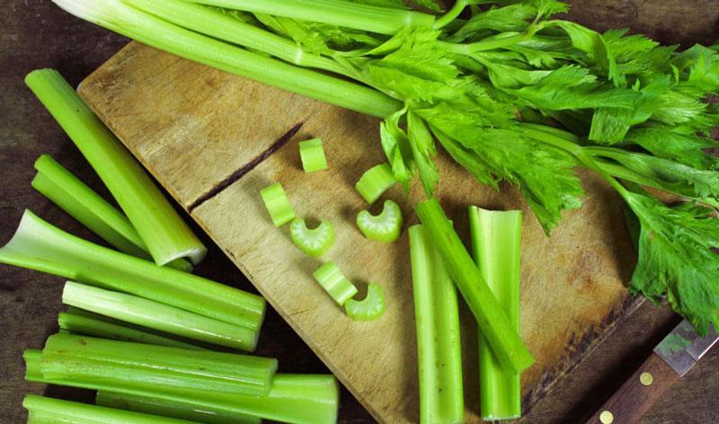 Rau cần là một trong những loại rau tốt cho bà bầu nên dùng nhất.