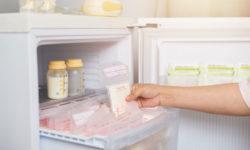 Sữa mẹ vẫn có thể bảo quản trong tủ lạnh bạn nhé!