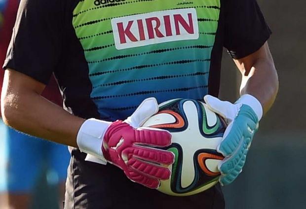 Lưu ý quan trọng khi sử dụng găng tay thủ môn