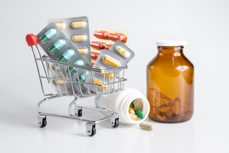 Có nên tự mua thuốc bổ gan để uống tại nhà hay không