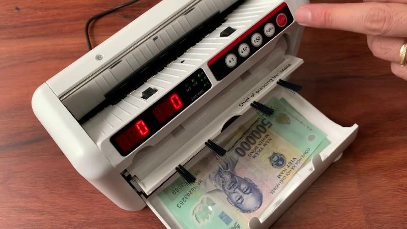 Các loại máy đếm tiền hiện nay