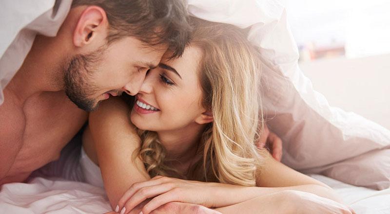 Hạn chế tối đa hoặc ngừng quan hệ vợ chồng trong 3 tháng đầu của thai kỳ