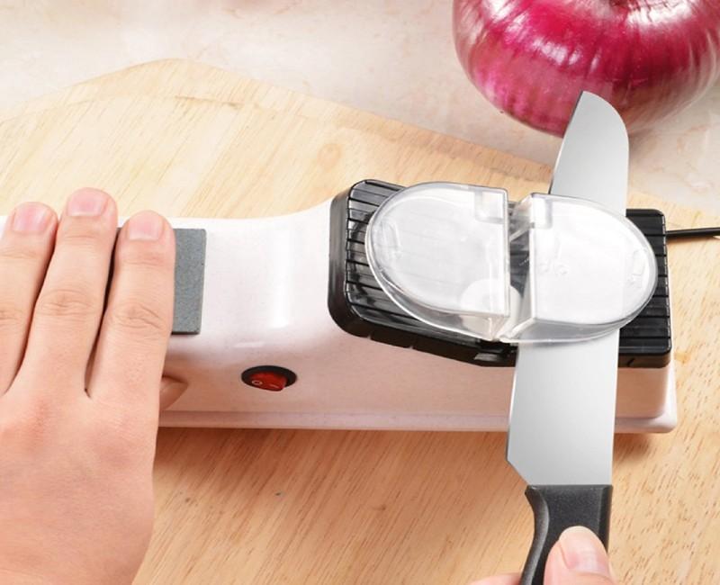 Lưu ý quan trọng khi dùng dụng cụ mài dao