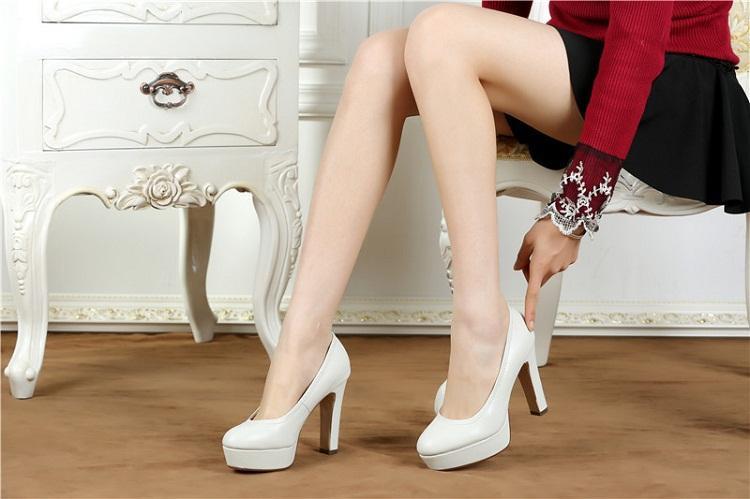 Vì sao chị em nên mang giày cao gót