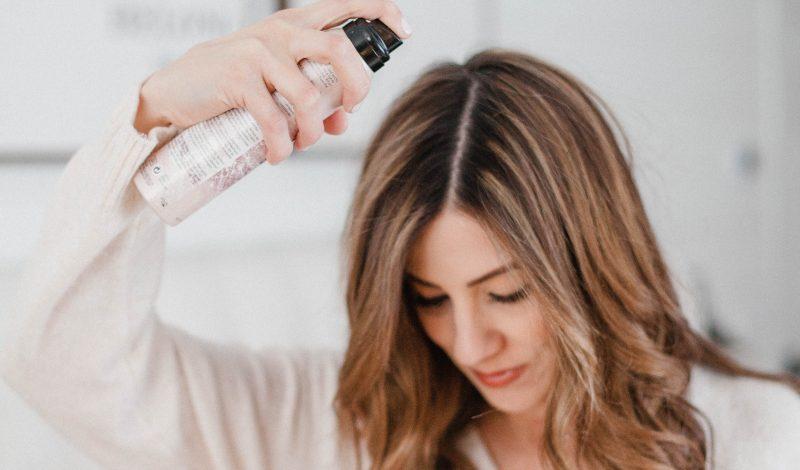 Những lưu ý cần biết khi sử dụng xịt dưỡng tóc