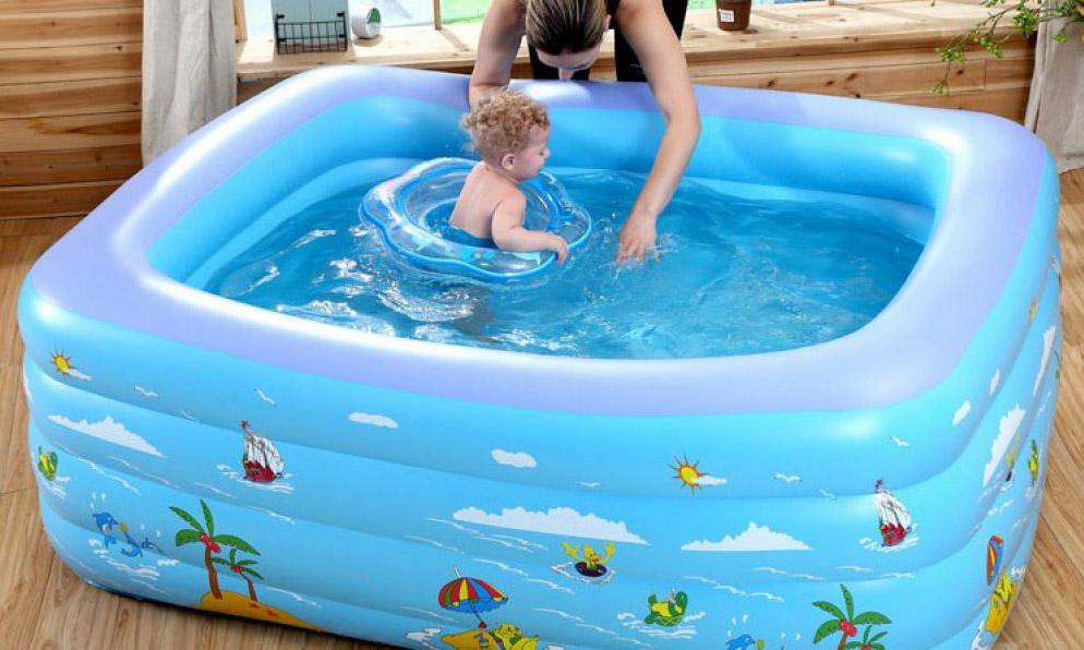 Phân loại bể bơi em bé