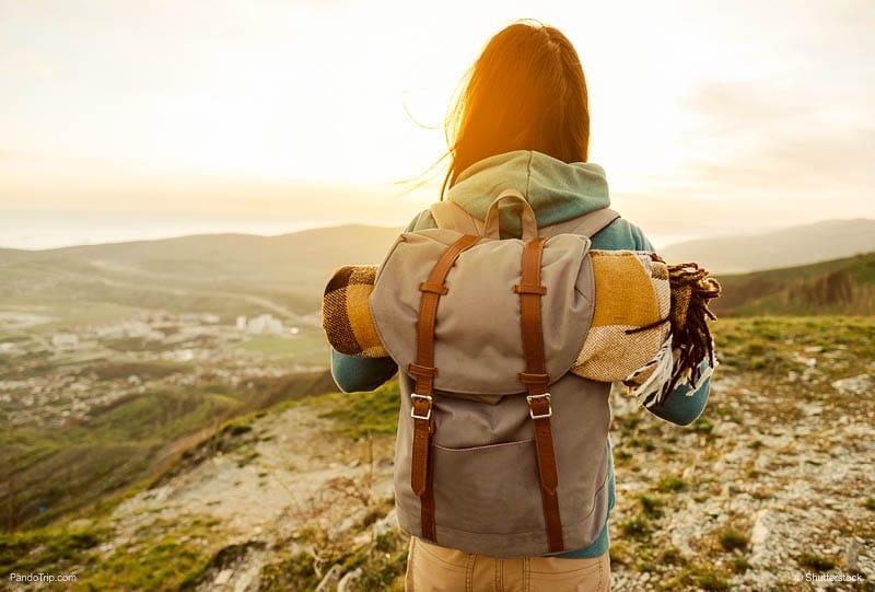 Vì sao nên chọn balo du lịch thay vì vali?