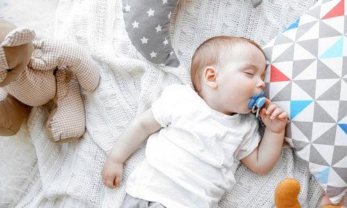 Top 8 ty ngậm tốt và an toàn nhất cho bé 2021