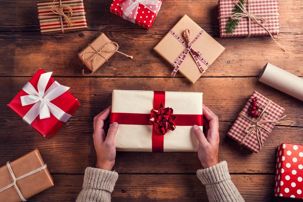 Cách chọn quà mừng tân gia theo từng đối tượng