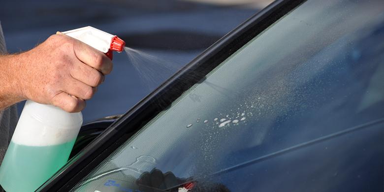 Một số lưu ý quan trọng khi chọn mua nước rửa kính xe ô tô