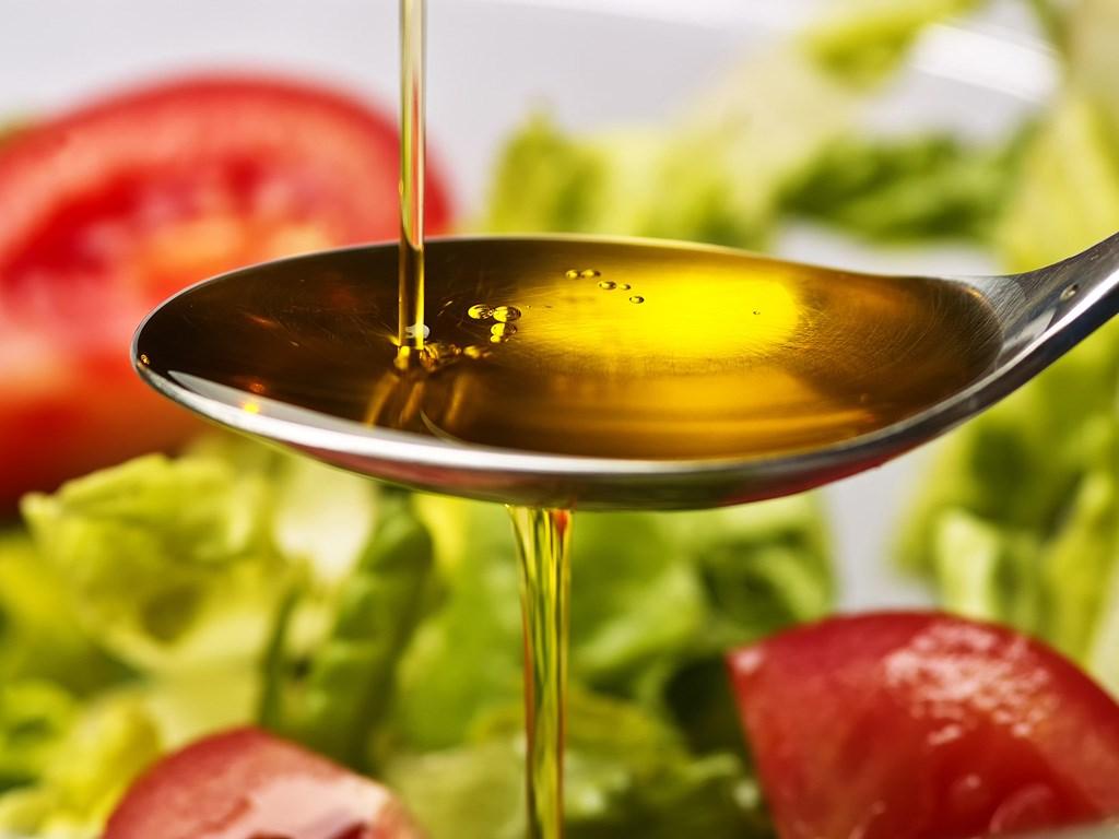 Cách sử dụng dầu Oliu để làm đẹp hiệu quả an toàn
