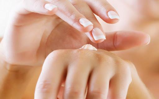 Hướng dẫn sử dụng kem dưỡng da tay hiệu quả an toàn