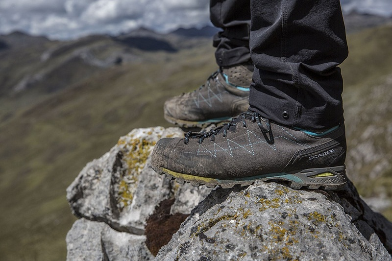 Giày Trekking là gì