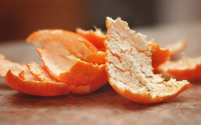Cách diệt gián hiệu quả bằng vỏ cam quýt