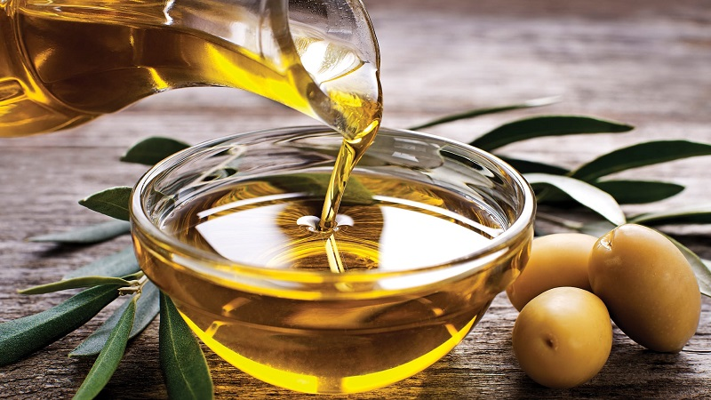 Cách làm tóc nhanh dài bằng dầu oliu