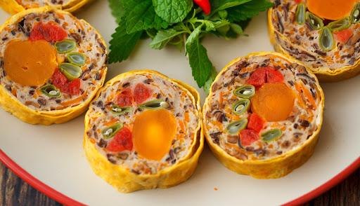 Chả trứng ngũ sắc kết hợp ăn kèm cơm nóng siêu ngon trong ngày mưa bão