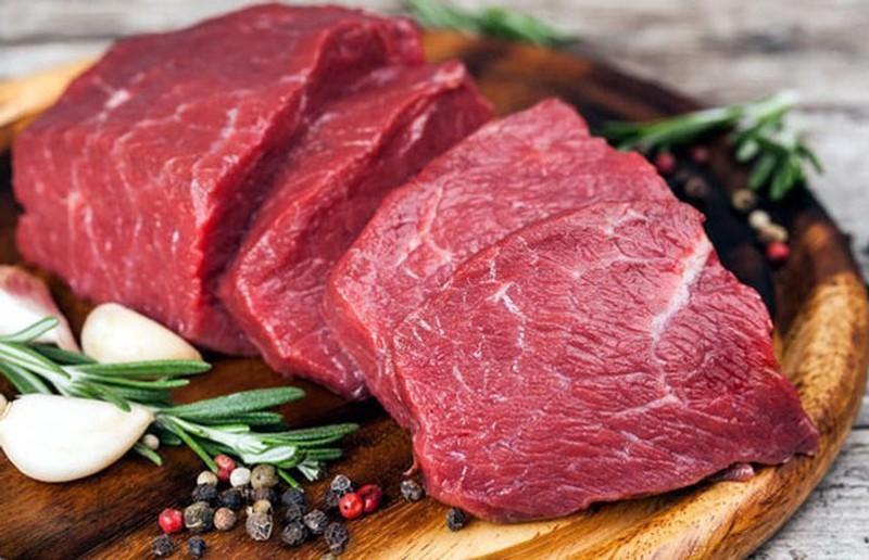 Chọn thịt bò tươi mềm giúp món miến ngon hơn
