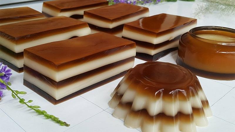 Rau câu cà phê nước cốt dừa được phân thành nhiều lớp trông thật hấp dẫn