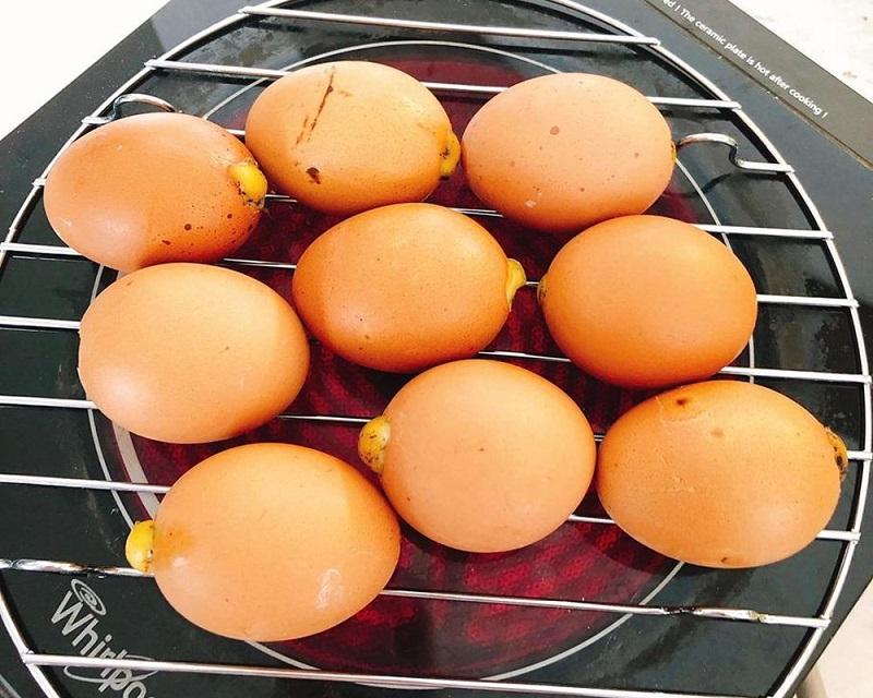 Trứng nướng ngon khi mịn và không bị nứt bể vỏ
