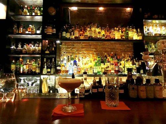 Top 10 quán bar quận 1 được yêu thích ở Sài Gòn - 1