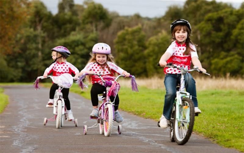 Xe đạp trẻ em 4 bánh