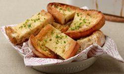 Cách làm bánh mì bơ tỏi thơm ngon