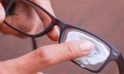Cách tẩy keo 502 trên kính mắt hiệu quả