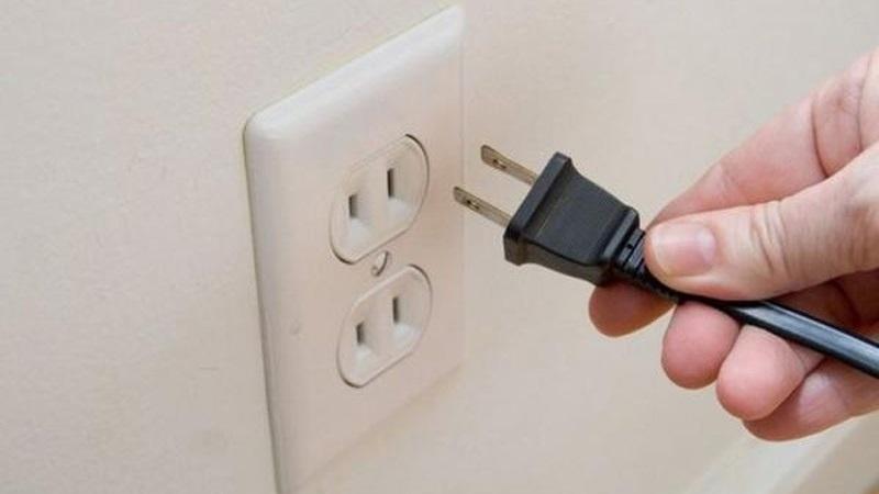 Cắm điện lại sau 2 – 3 tiếng đặt tại vị trí mới