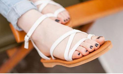 Top 8 giày sandal nữ được ưa chuộng nhất 2021