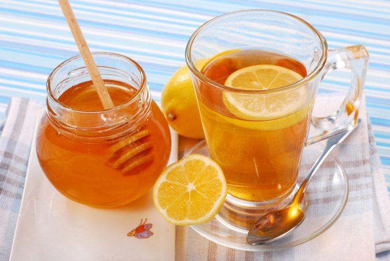 Nước detox chanh và mật ong để giảm mỡ bụng nhanh chóng