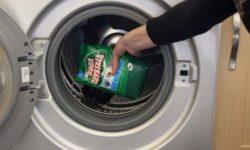 Sử dụng bột tẩy lồng giặt để vệ sinh lồng máy giặt