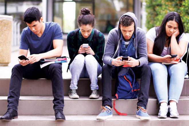 Tác hại của mạng xã hội là khiến hoạt động sống suy giảm