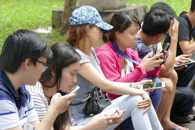 Tác hại của mạng xã hội ngày càng nhiều