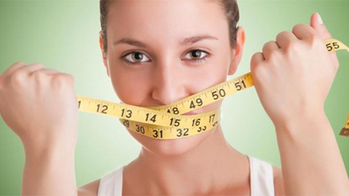 Tuyệt đối không nhịn ăn tối để giảm cân