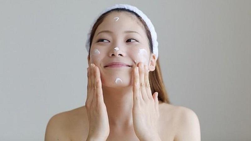 Các bước dưỡng da ban đêm để tránh gây bít lỗ chân lông