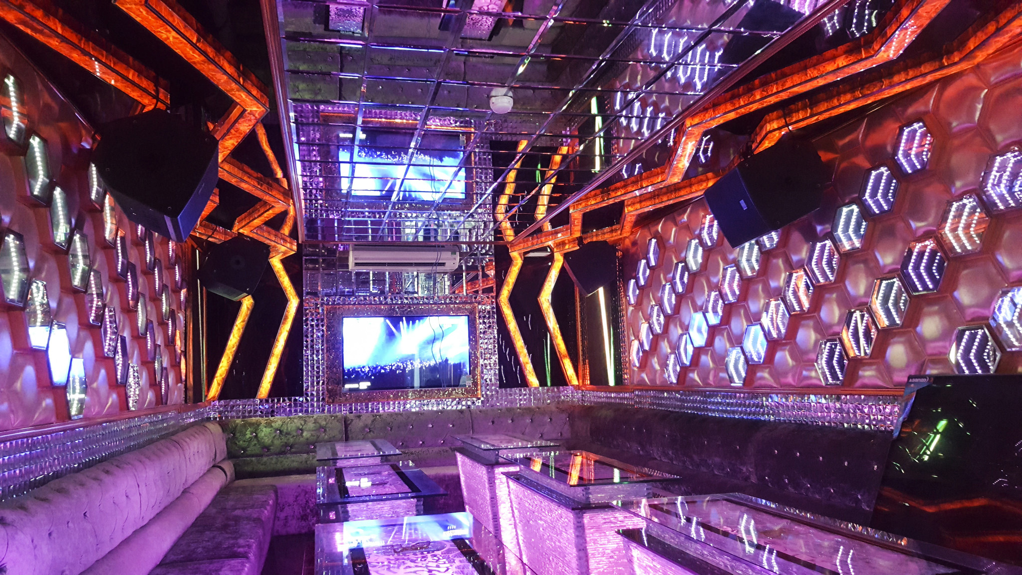 Top 5 quán karaoke quận 10 với không gian âm nhạc cực chất 5