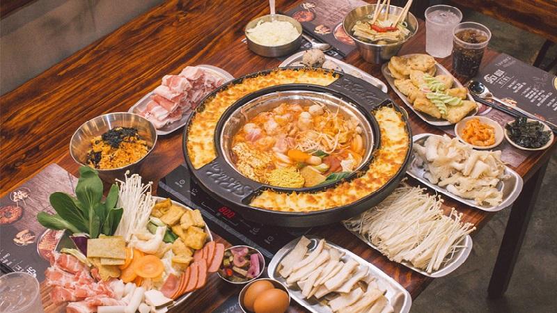 Lẩu buffet Tokbokki tại Spicy Box phù hợp cho những người thích ăn cay