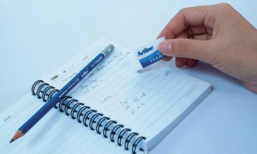 Cách tẩy mực bút bi trên giấy đơn giản