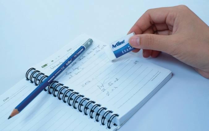 Cách tẩy mực bút bi trên giấy bằng cồn
