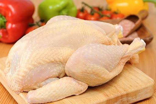 Chọn gà ta tươi sống khi thực hiện cách làm gà rang muối