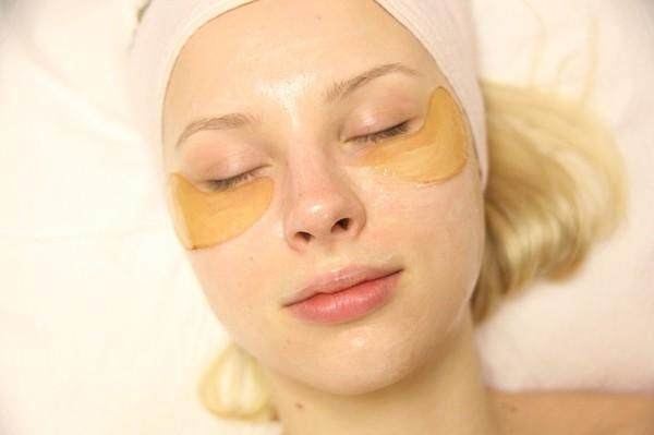 Cách sử dụng mặt nạ dưỡng mắt hiệu quả