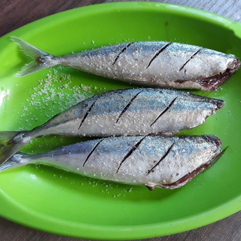 2 cách làm cá nướng giấy bạc ngon không cưỡng nổi 2