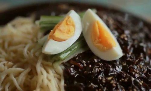 Món mì tương đen Hàn Quốc đúng chuẩn vị Hàn