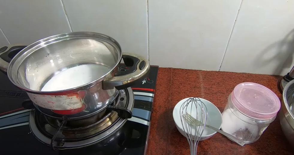 Cách làm cốm dẹp lá dứa trộn dừa thơm dẻo tại nhà bảo quản được gần 1 tuần - 2