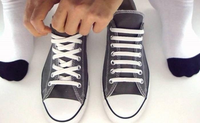 Thời trang hơn khi thắt dây giày theo nhiều kiểu