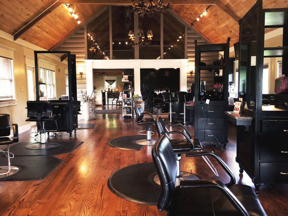 Top 6 tiệm cắt tóc đẹp ở quận 10 uy tín, đa dạng kiểu - 3