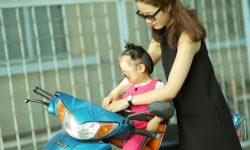 Top 5 ghế ngồi xe máy cho bé tốt nhất đảm bảo an toàn cao 27