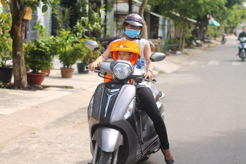 Cách sử dụng và bảo quản ghế ngồi xe máy cho bé