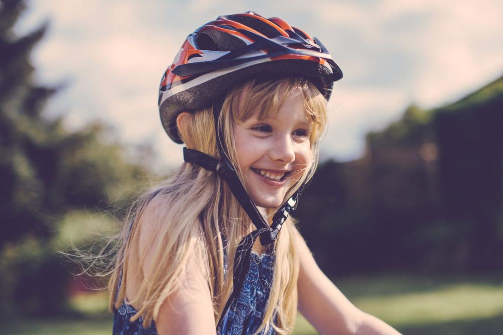 Mũ bảo hiểm khối lượng nhẹ tạo cảm giác thoải mái cho bé